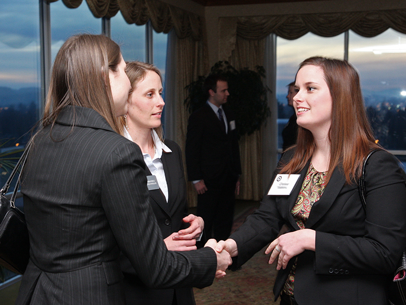 Photo - accounting students meet with professionals