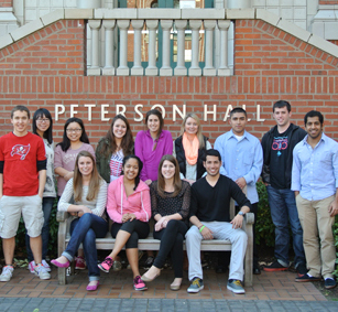 Peer Advisors at the Lundquist College of Business