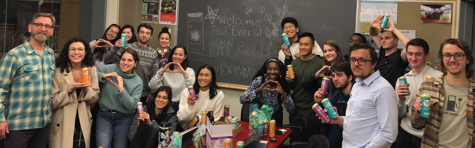 Group photo of UO students and Riff Cold Brewed CEO Paul Evers