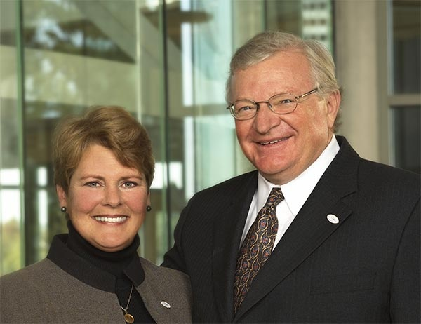 Profile - Gwen and Charles Lillis, PhD '72