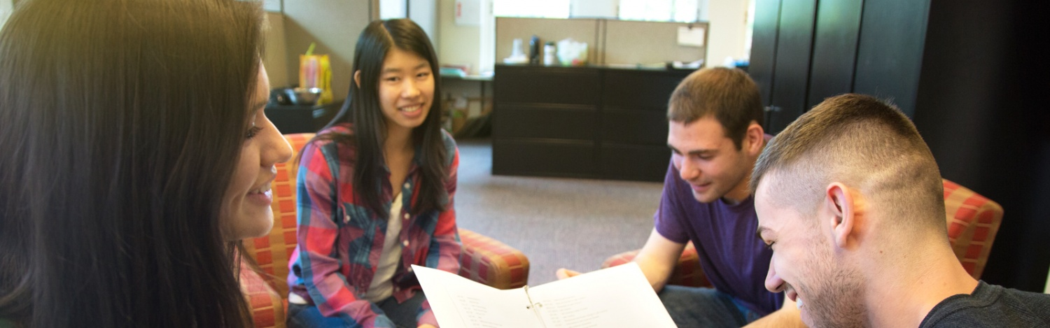 Peer advisors help fellow students plan their classes