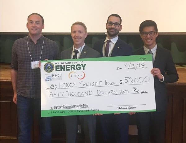 Oregon MBA team Feros Freight accepts their prize at UC Berkeley