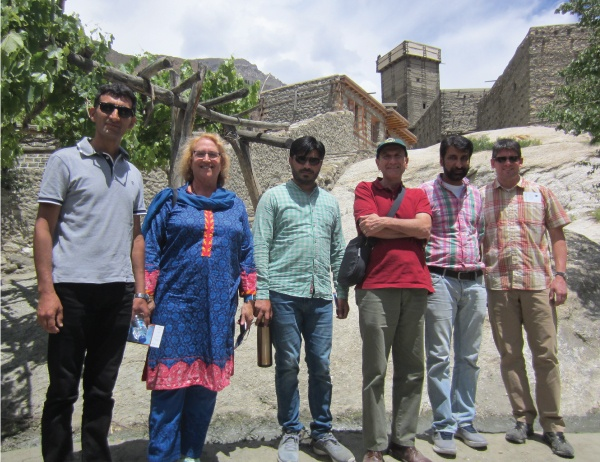 UO and KIU faculty pose for a photo during a day trip in Pakistan